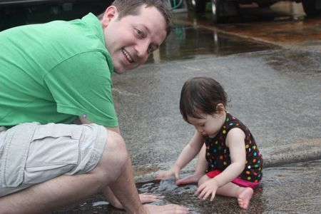 See Daddy, you clap your hands in the water and it splashes, fun, right?